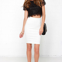 Show You Off Lace Crop Top - Black | Daily Chic