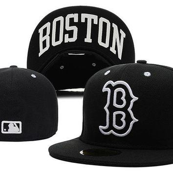 DCCKBE6 Boston Red Sox New Era MLB Authentic Collection 59FIFTY Hats Black-White