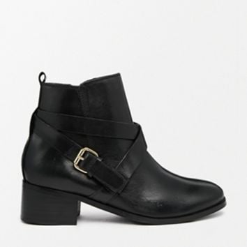 Carvela Theo Black Leather Cross Over Strap Boots - Black