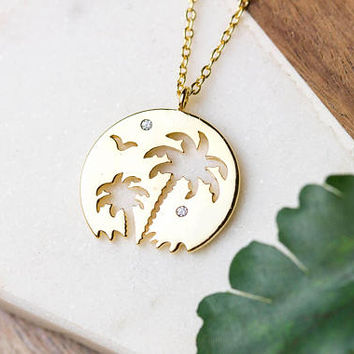 Palm tree coin necklace | Tropical Hawaii necklace | Gold plated layering necklace | Gifts for her under 30 | Beach lover gift | Best friend