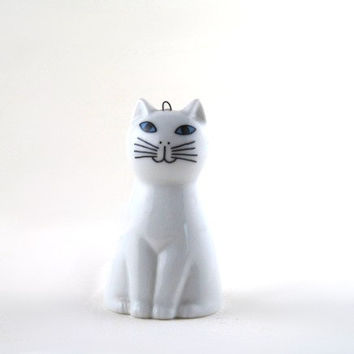 vintage cat bell - white china cat bell - mysterious white cat