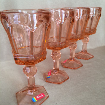 Vintage Wine Glasses, Fostoria Virginia, Peach Color Glass, Peach Barware, Paneled Glass, Vintage Chic Wine, Fostoria Glassware, Set of Four