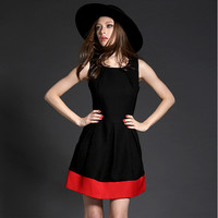 Black And Red Sleeveless Pleat Dress