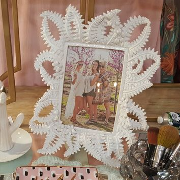 Woodland Garden Frame by Two's Company