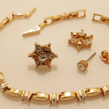 Gold Tone Rhinestone Vintage Avon Bracelet and Earring Jewelry Set