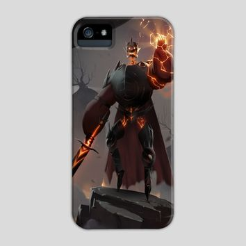 Thunder Knight, a phone case by Maximilian Degen