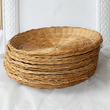 "Wicker Picnic Plate Holders 10"" Vintage Traditional, Natural Color Set 11 , Picnic Supplies , Potluck Dinner Paper Plate Holders"