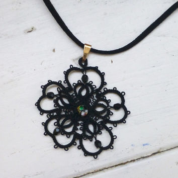 Tatted lace necklace, black pendant, women's accessories, women's jewelry, handmade necklace, steampunk, victorian era, lace jewelry