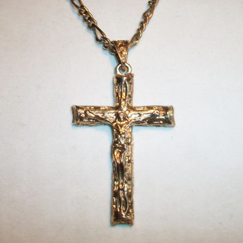Vintage Textured Chunky Cross Crucifix Pendant Necklace Religious Unisex Costume Jewelry