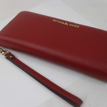 NWT MICHAEL KORS LEATHER + PVC JET SET TRAVEL CONTINENTAL WALLET WRISTLET CHERRY