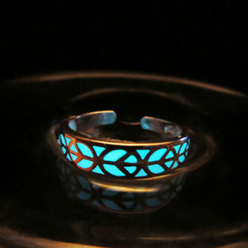 Glow In The Dark Ring Style Retro Can be Adjusted Geometric Mayan Mysterious Luminous