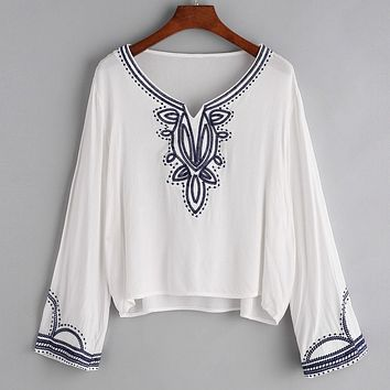 Blouse Printemps 2017 Women Flower Embroidey White Blouse Casual V Neck Tops Long Sleeve Women's Shirt blusas verano