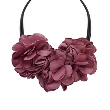 Terreau Kathy 4 Colors Bohemian Big Size Fabric Rose Flower Choker Necklace Women Statement Necklace Vintage Jewelry BKN801-N805