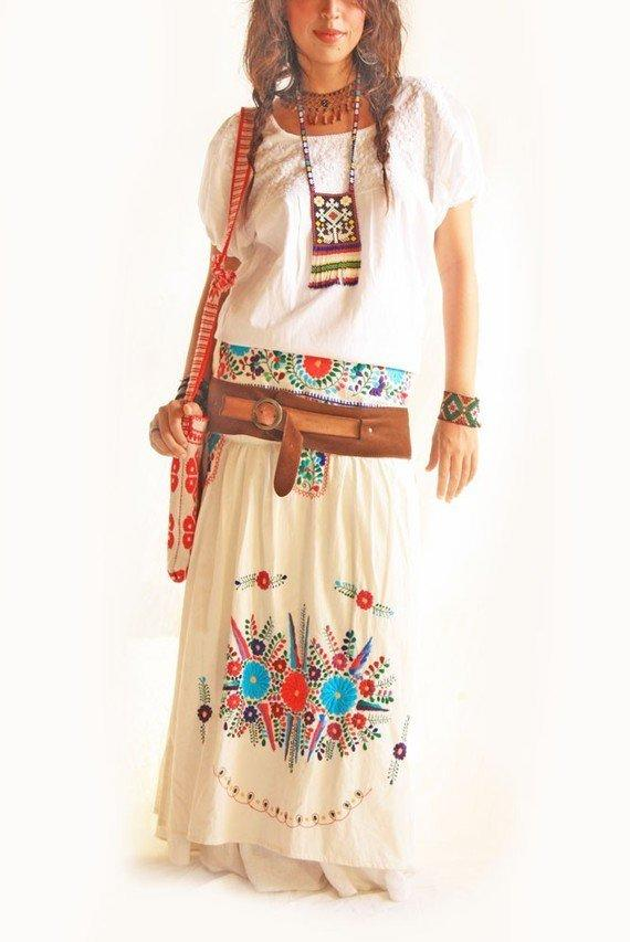 Mexican embroidered peasant skirt vintage from aidacoronado on