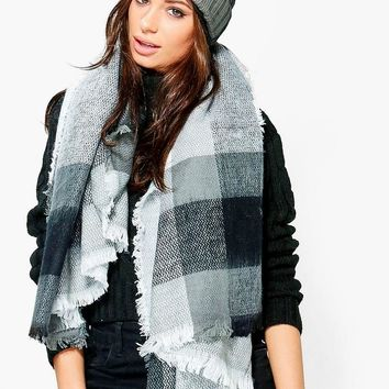 Mia Oversized Supersoft Check Scarf | Boohoo