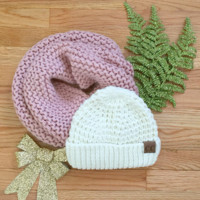 White Tahoe Knit CC Beanie Gift Set in Rose