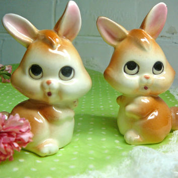 Vintage Lefton Bunny Salt and Pepper Shakers Bunnies Figurines Easter Decor Easter Bunny Rabbit Figurines