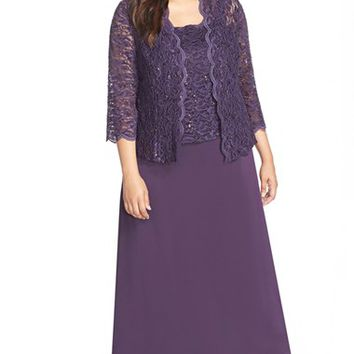Plus Size Women's Alex Evenings Scallop Lace Gown & Jacket,
