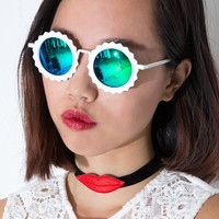 Maya Daisy White Sunglasses