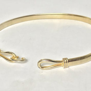 Vintage Gold Tone Chain Mesh Belt / 1980s Glam Jewelry Belt / Waist Chain Belt with Hook and Eye Buckle / Elastic Metal Mesh Stretch Belt
