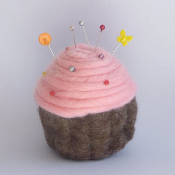 Cup cake Pin Cushion, needle felted, with a choice of pink or white frosting
