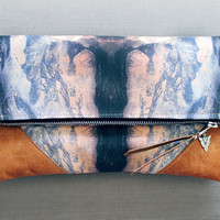 LIBRO GRANDE Clutch - Mirror Mountain