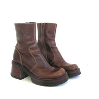 vintage brown leather boots. tall boots. chunky heel boots. women's 8.5