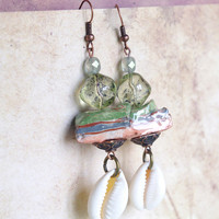 Cowrie shell jewelry, Cowrie shell earrings, Sea shells, Beach earrings, Summer earring,  Artisan jewelry, Porcelain jewelry