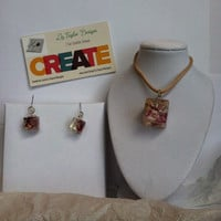 Jewelry set Resin and flower elegant earrings and pendant. Unique and one of a kind!