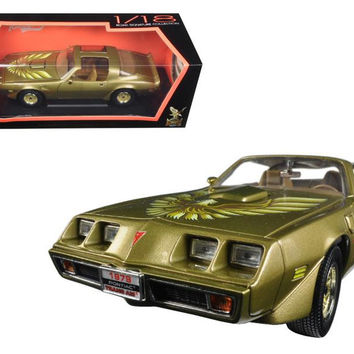 1979 Pontiac Firebird Trans Am Gold 1-18 Diecast Model Car by Road Signature