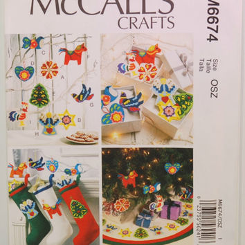 McCall's Crafts M6674 (c. 2012) Sewing Pattern For Christmas Decorations, Tree Skirt, Stocking, Holiday Gift Ideas, Family Tradition, Xmas
