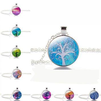 Life Tree Pendant Necklace Vintage Silver Color Chain Necklace in Jewelry Classic Glass Cabochon Necklace