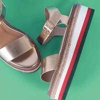 One Band Stripe Flatform Sandal