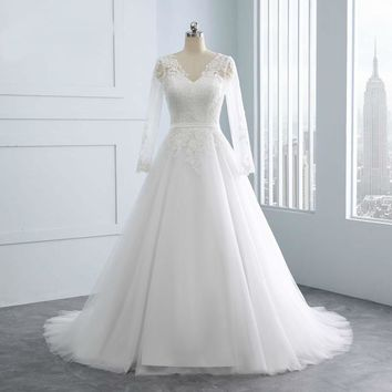 New Design Ball Gown Lace Appliques Wedding Dresses V-Neck Sash Backless Sexy Vintage Wedding Gowns