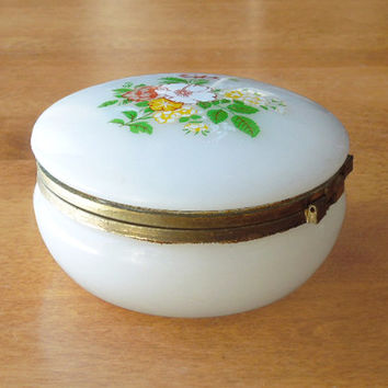 Vintage white trinket box jewelry box ring dish - Trinket box with floral hinged lid - Cottage-chic - Bridal-shower favor wedding favor TB5