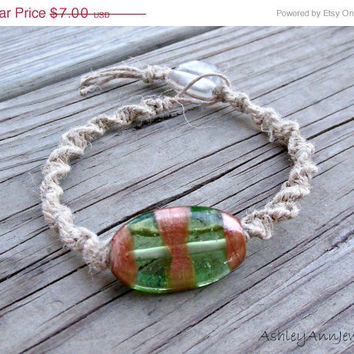 15% off CIJ SALE Green And Gold Macrame Unisex Hemp Bracelet Spiral Knot