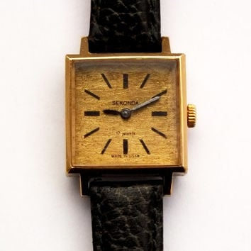Soviet Russian Vintage Ladies Mechanical Watch SEKONDA Womens Gold Plated Wrist Watch 70s