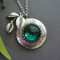 Emerald Jewel Leaf Locket in Silver by liliswan on Etsy