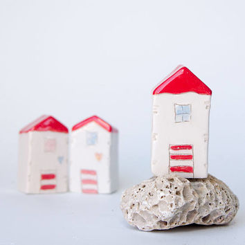 Miniature clay beach house, Summer Ceramic Beach house -  Handmade ceramics, White house with red roof