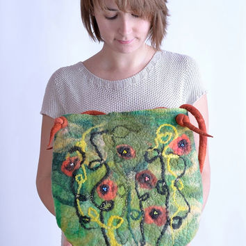 Large, green felt bag with meadow theme and poppies - natural, designer, art shoulder bag or purse with poppy flower pattern [T19]