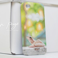 apple iphone case : a little frog