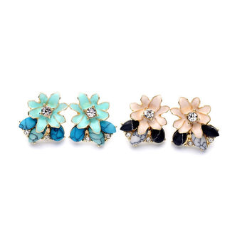 Crafted Enamel Daisies Daisy Flower and Turquoise Stud Earring 2016 Best Selling Products Contemporary Jewelry