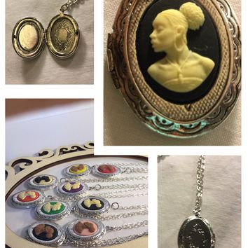 Black vintage cameo locket/Free Shipping