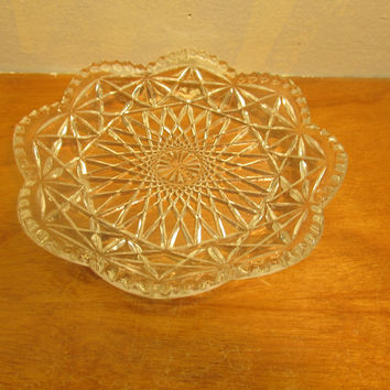 AVON CRYSTAL NUT OR CANDY DISH