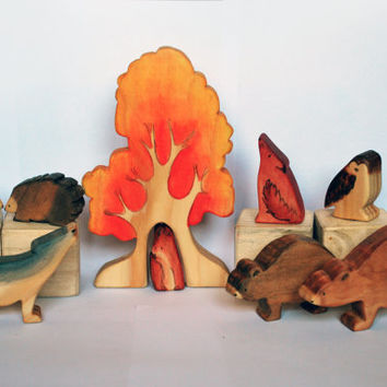 WOODLAND ANIMAL SET, Set of 8 woodland animals and Autumn Tree / Handmade Wooden Toy Waldorf Inspired