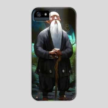 Sensai's Lair, a phone case by Maximilian Degen
