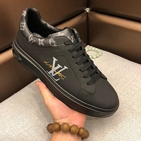 LV Louis Vuitton 2019 new letter printing low to help thick-soled casual sports men's shoes Black