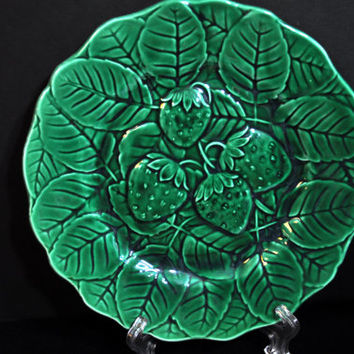 Majolica Strawberry Leaf Plate, Antique Green Vintage majolica, majolica pottery
