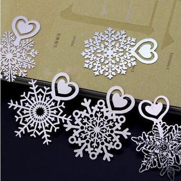 Wholesale metal fashion hollow out pattern snow fashion bookmark 4*5.6cm bookmark gift 5pcs/lot free shipping