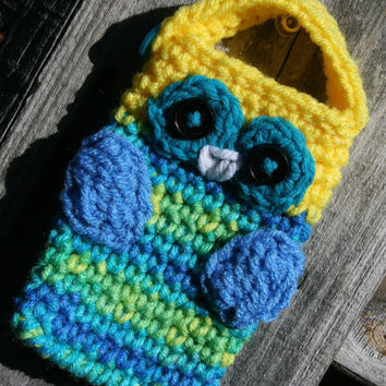 Crochet Owl Cell phone camera iPod holder case by Loopedwithlove4U
